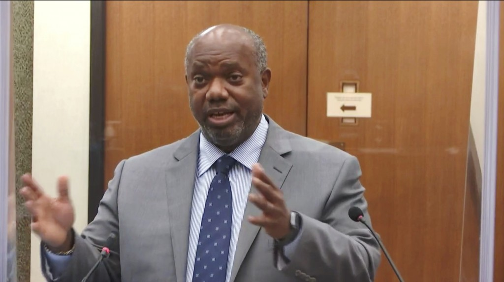In this image taken from video, prosecutor Jerry Blackwell questions witness Dr. Bill Smock, a Louisville physician in forensic medicine, as Hennepin ...