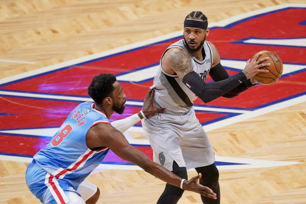Brooklyn Nets forward Jeff Green (8) guards against Portland Trail Blazers forward Carmelo Anthony (00) during the second half of an NBA basketball ga...