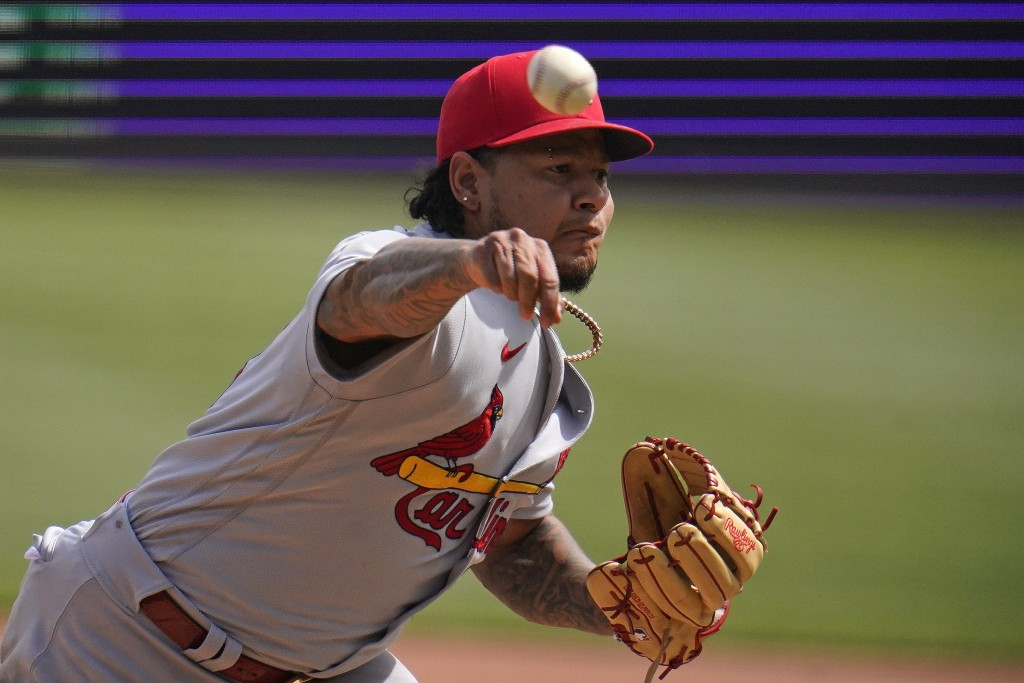 St. Louis Cardinals starting pitcher Carlos Martinez delivers during the eighth inning of the team's baseball game against the Pittsburgh Pirates in P...