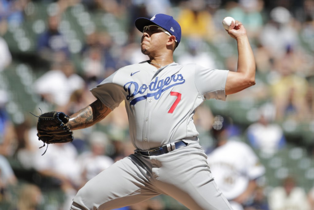 Los Angeles Dodgers' Julio Urias pitches during the first inning of a baseball game against the Milwaukee Brewers Sunday, May 2, 2021, in Milwaukee. (...