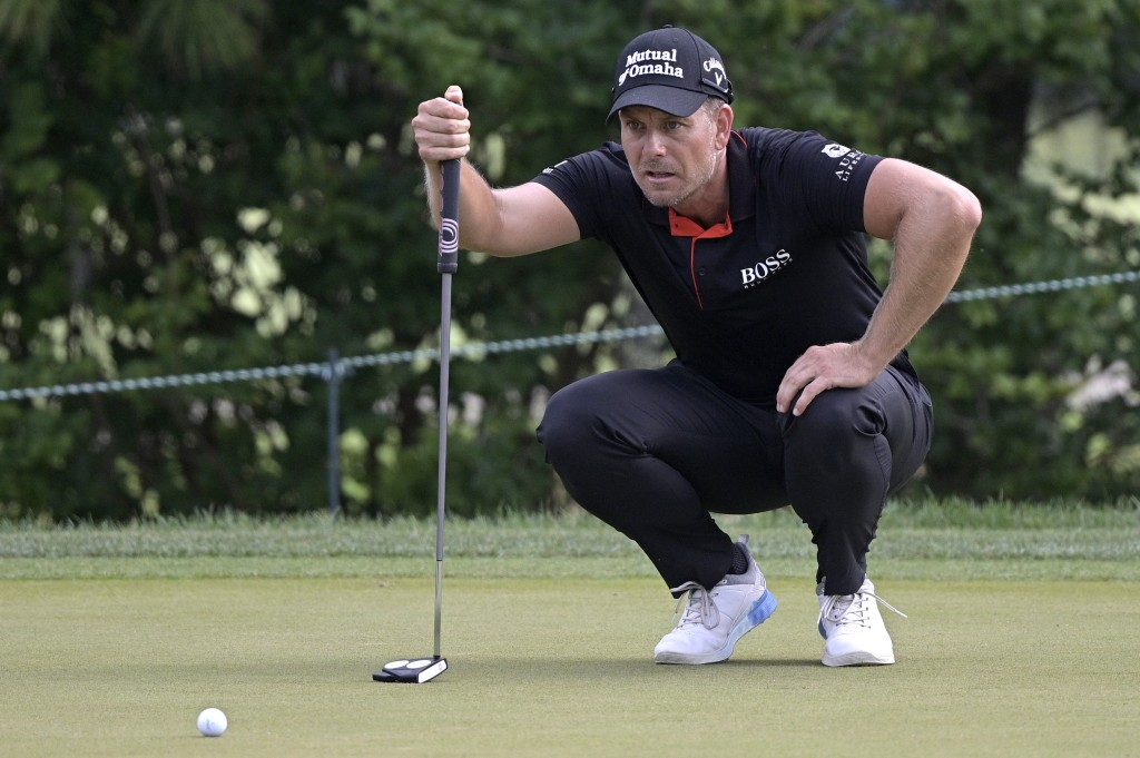 Henrik Stenson, of Sweden, lines up a putt on the sixth green during the final round of the Valspar Championship golf tournament, Sunday, May 2, 2021,...
