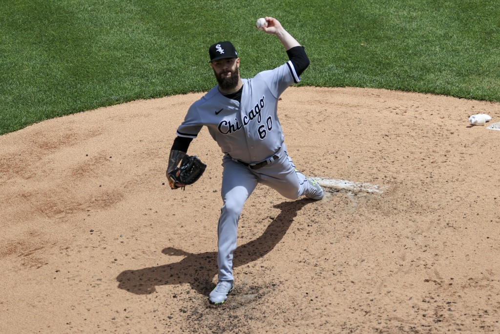 Chicago White Sox Dallas Keuchel throws during the fourth inning of a baseball game against the Cincinnati Reds, Wednesday, May 5, 2021. (AP Photo/Aar...