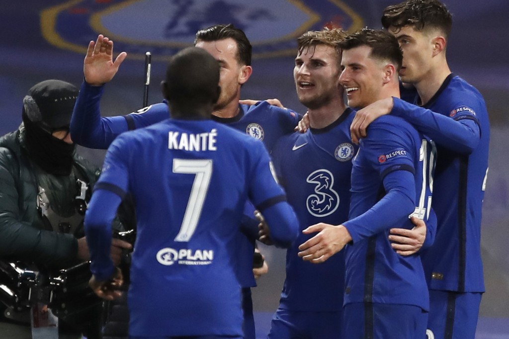 Chelsea's Timo Werner, third from right, celebrates with his teammates after scoring his side's first goal during the Champions League semifinal 2nd l...