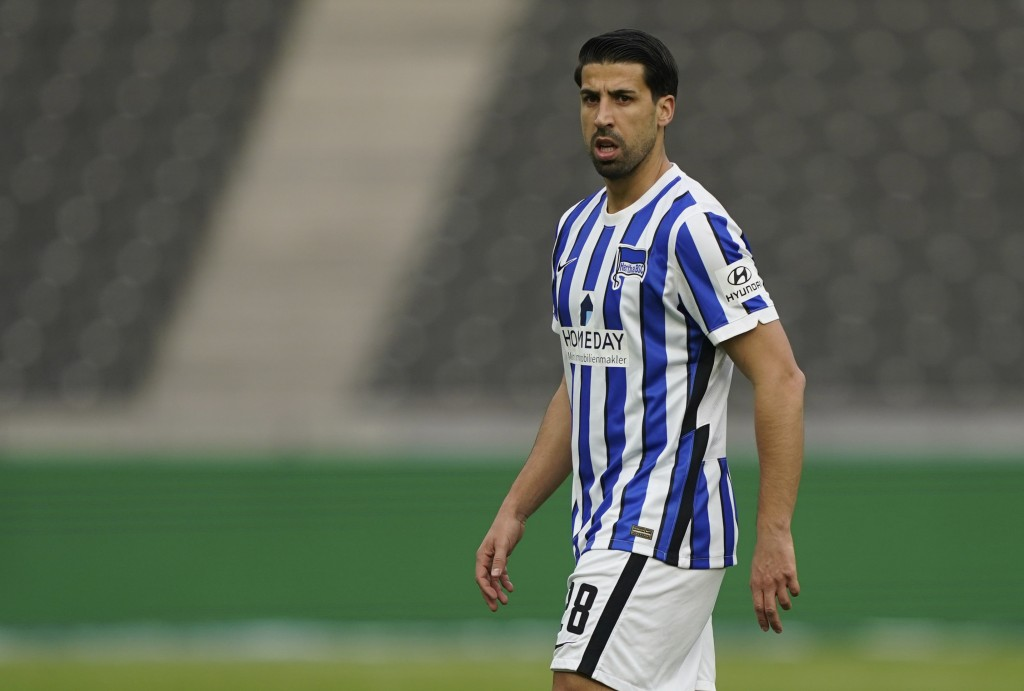 Berlin's Sami Khedira looks out during the German Bundesliga soccer match between Hertha BSC Berlin and SC Freiburg in Berlin, Germany, Thursday, May ...