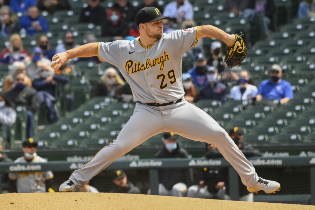 Pittsburgh Pirates starting pitcher Wil Crowe (29) delivers during the first inning of a baseball game against the Chicago Cubs, Saturday, May 8, 2021...