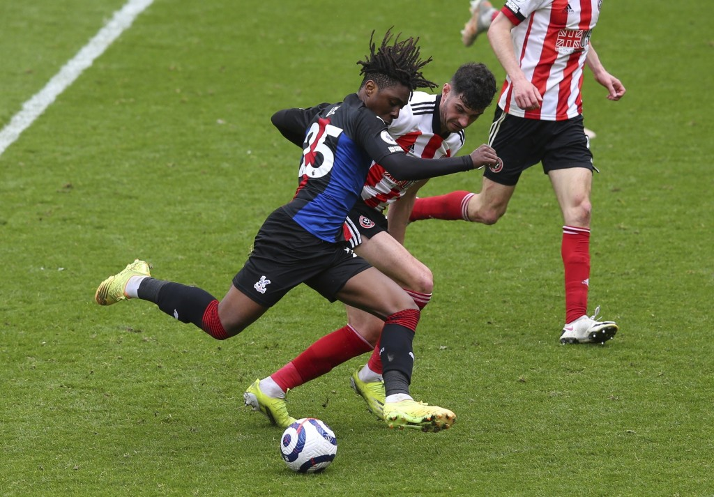Crystal Palace's Eberechi Eze scores his side's second goal during the English Premier League soccer match between Sheffield United and Crystal Palace...