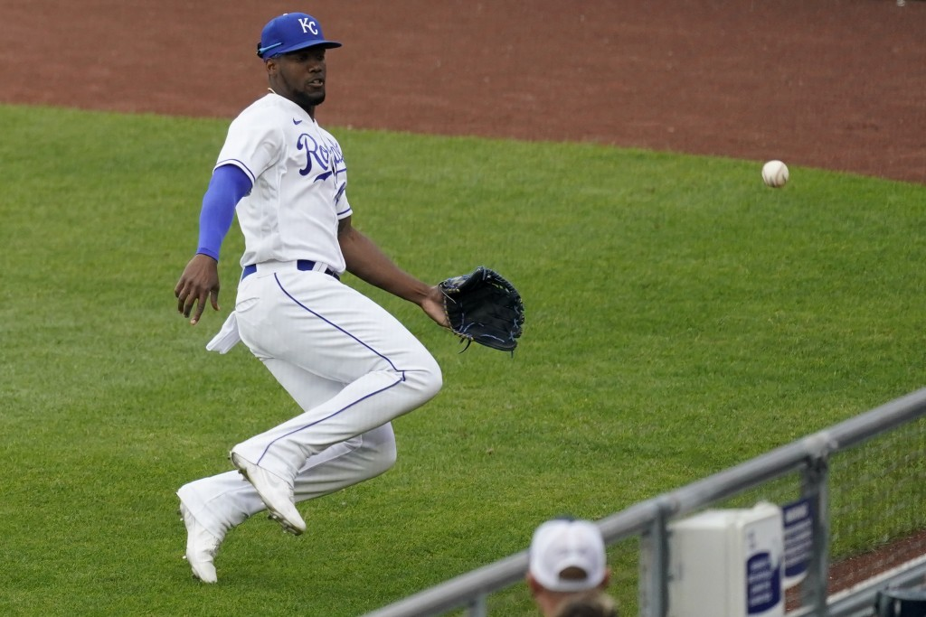 Kansas City Royals right fielder Jorge Soler chases after an RBI triple hit by Chicago White Sox's Leury Garcia during the first inning of a baseball ...