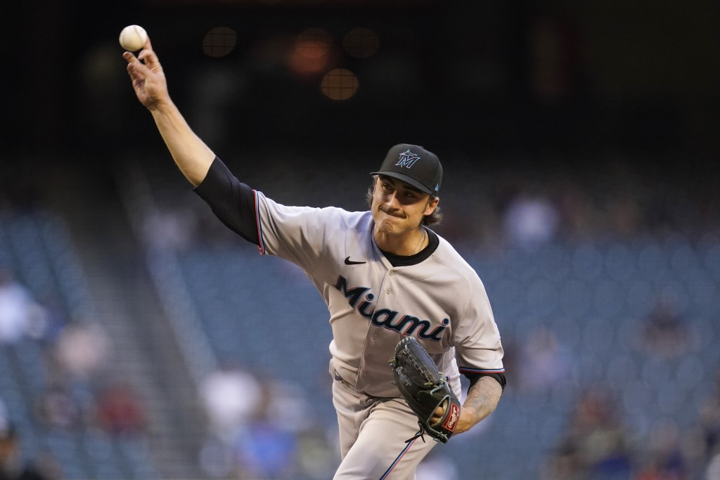 Miami Marlins starting pitcher Jordan Holloway throws a pitch against the Arizona Diamondbacks during the first inning of a baseball game Monday, May ...