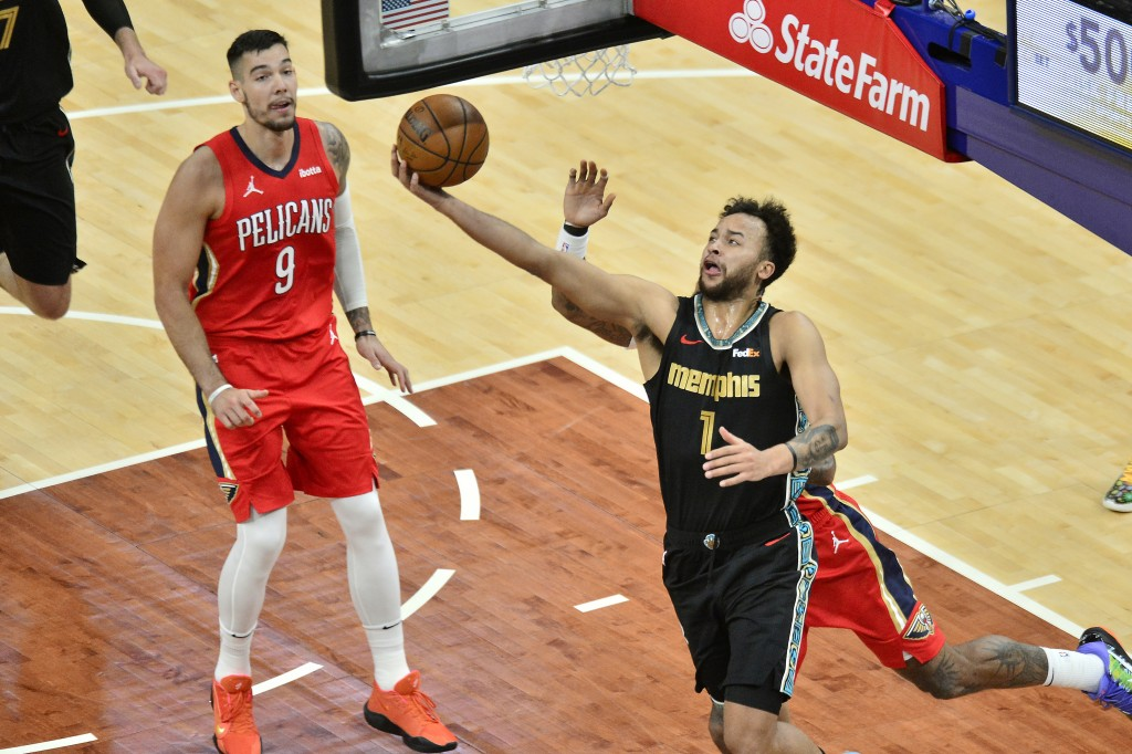 Memphis Grizzlies forward Kyle Anderson (1) shoots in the first half of an NBA basketball game against the New Orleans Pelicans, Monday, May 10, 2021,...