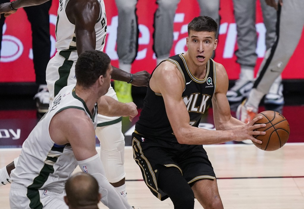 Hawks romp to 110-88 win without Young, Giannis goes down | Taiwan News |  2021-06-30 11:06:32