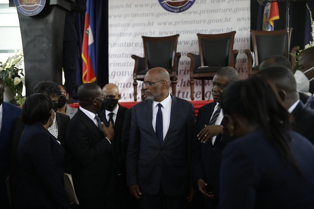 新任海地總理亨利(圖中,美聯社圖片)