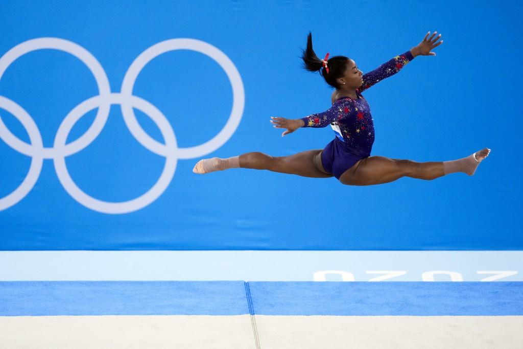 24歲美國體操天后Simone Biles在7月25日於女子體操資格賽中的出演身影。Simone Biles在7月27日退出競技體操女子團...