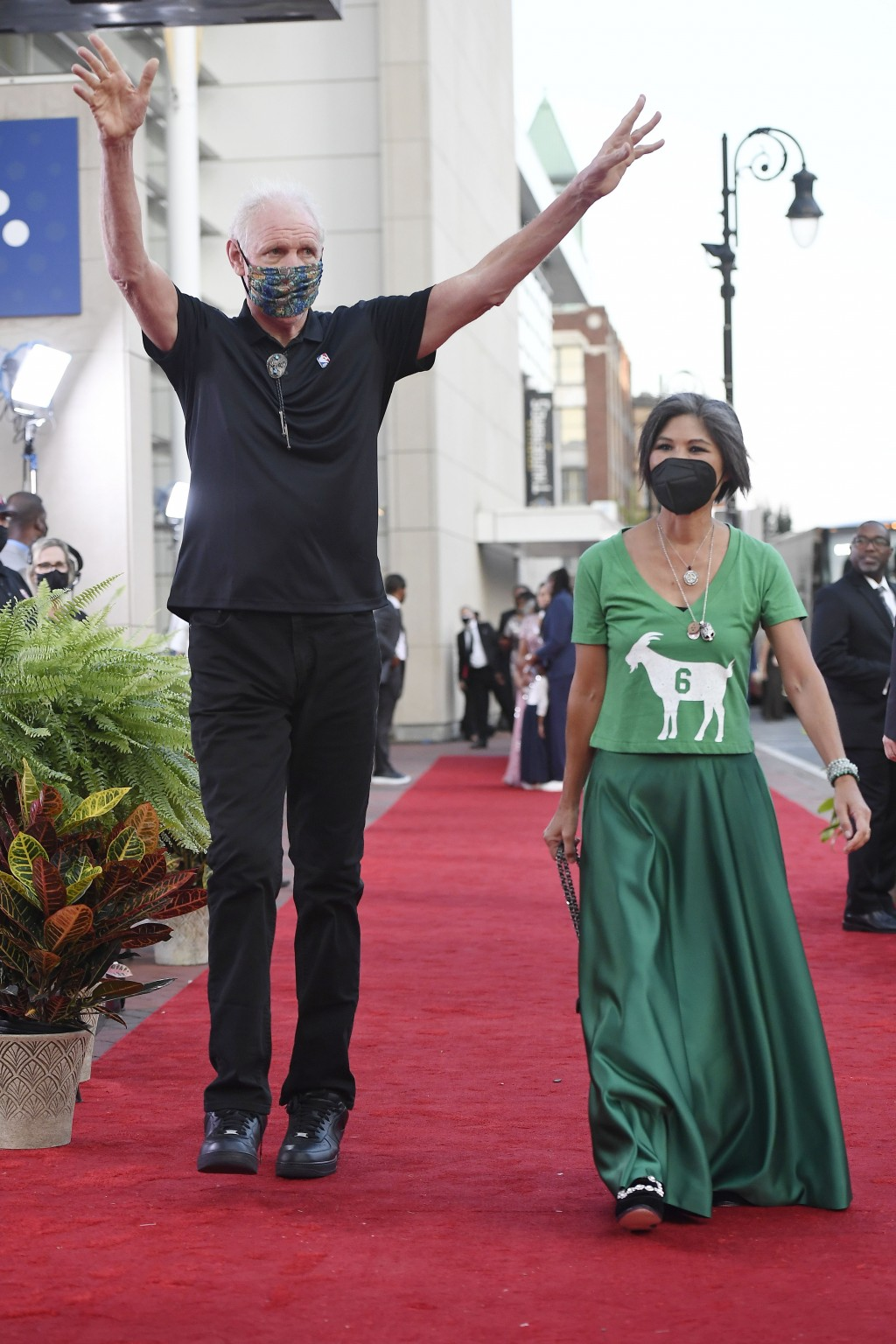 Bill Walton and wife Lori Matsuoka walk the red carpet for the 2021 Basketball Hall of Fame Enshrinement ceremony, Saturday, Sept. 11, 2021, in Spring...