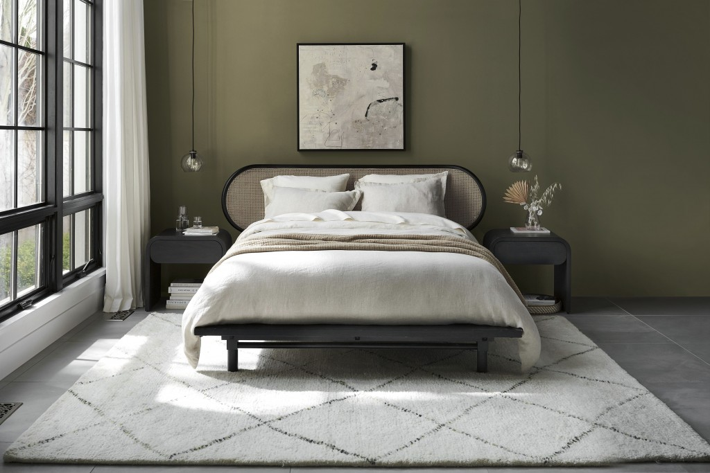 Two hot textural materials, rattan and jute, have moved from the porch and storage closet to just about every room in the home in the form of furnitur...