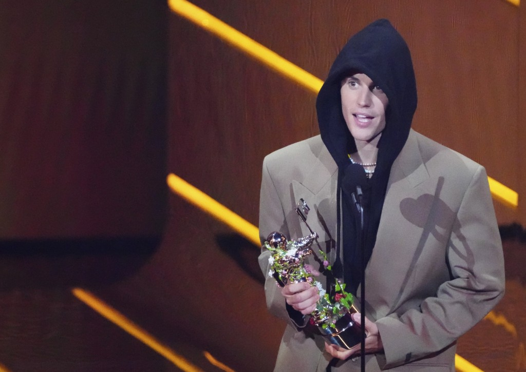 Justin Bieber accepts the award for artist of the year at the MTV Video Music Awards at Barclays Center on Sunday, Sept. 12, 2021, in New York. (Photo...