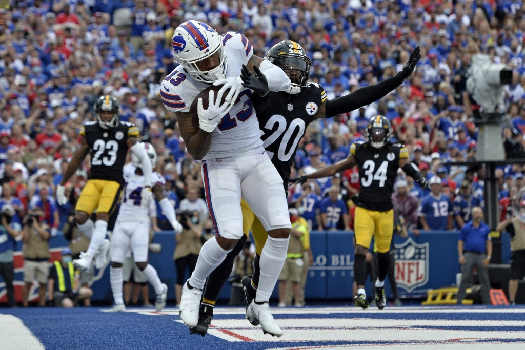 Buffalo Bills wide receiver Gabriel Davis (13) catches a pass in the endzone for a touchdown from quarterback Josh Allen, with Pittsburgh Steelers cor...