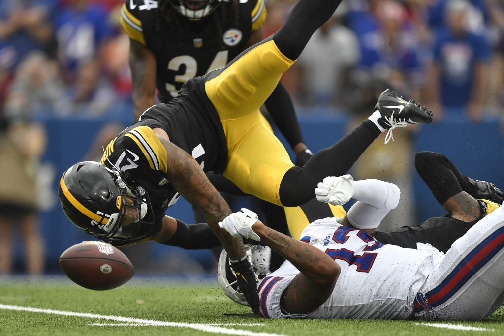 Pittsburgh Steelers cornerback Tre Norwood (21) breaks up a pass intended for Buffalo Bills wide receiver Gabriel Davis (13) during the second half of...