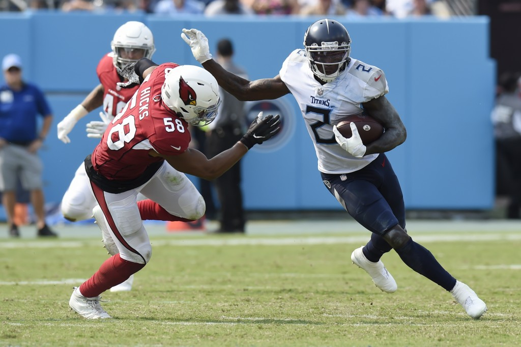 Tennessee Titans wide receiver Julio Jones (2) evades Arizona Cardinals middle linebacker Jordan Hicks (58) in the second half of an NFL football game...