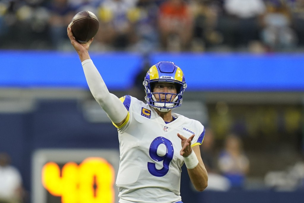 Los Angeles Rams quarterback Matthew Stafford throws a pass during the first half of an NFL football game against the Chicago Bears, Sunday, Sept. 12,...