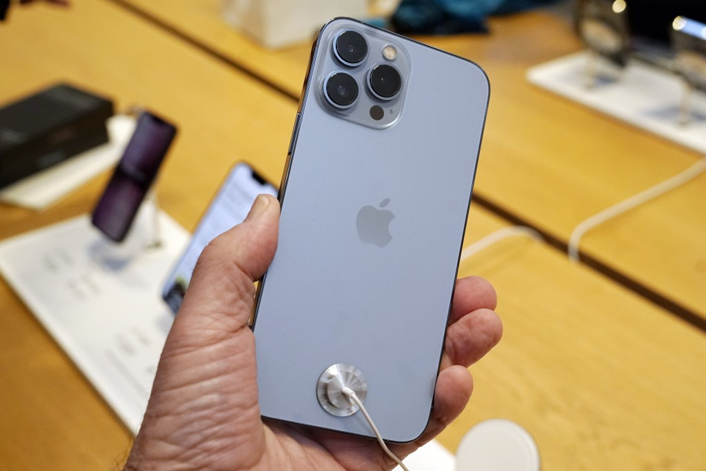 Apple iPhone 13displayed on first day of salein New York, Friday, Sept. 24, 2021.