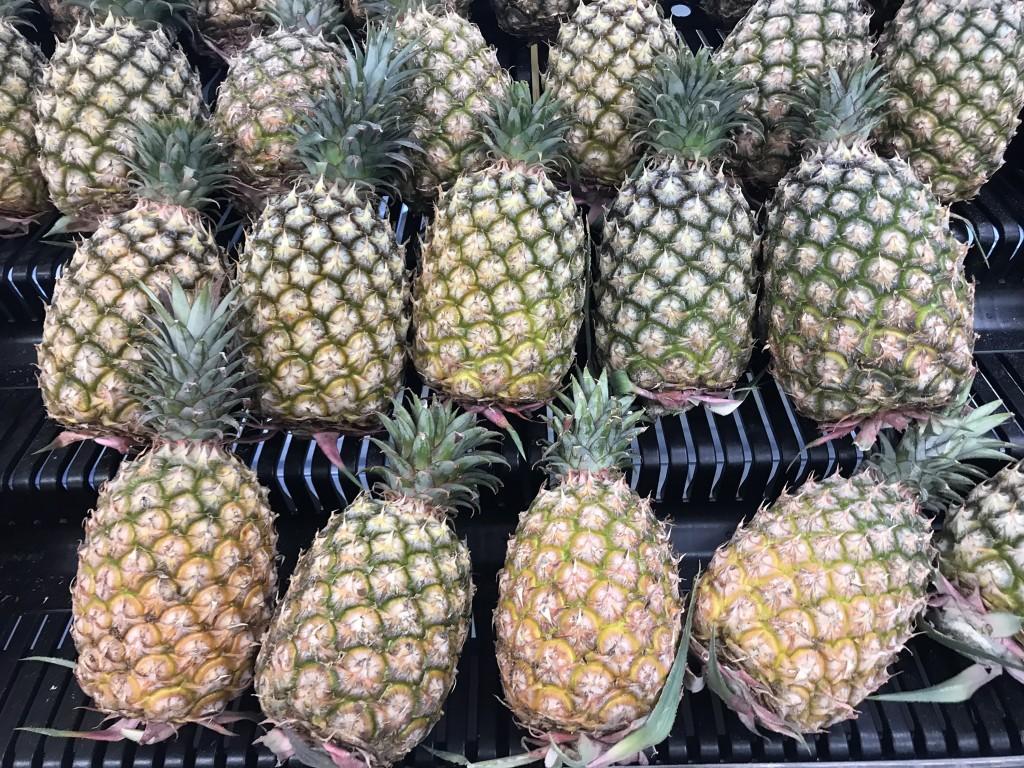 國內近來掀起吃鳳梨挺農民風潮。