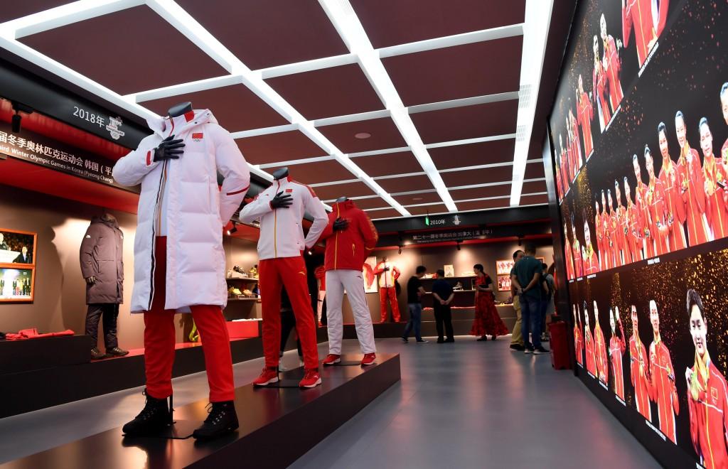 在中國抵制外貨的波浪潮中,中國的運動品牌安踏在24 日晚間宣布,將退出「良好棉花發展協會」(BCI), 並稱「會一直採購新疆棉花」。圖為位...