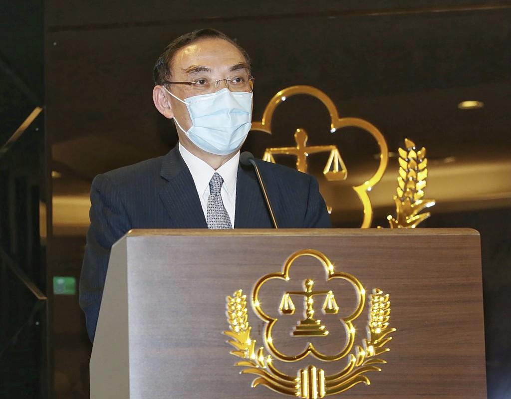 Minister of Justice Tsai Ching-hsiangdiscusses investigation into Wong Maw-jang atpress conference.