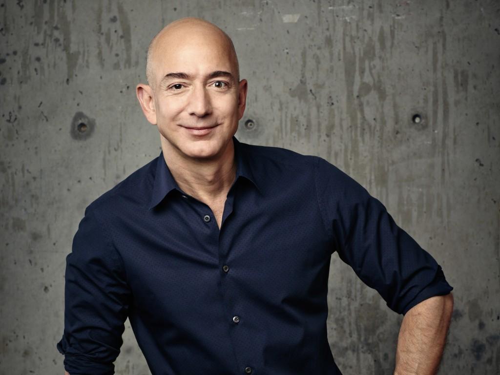 電商龍頭亞馬遜創辦人貝佐斯(Jeff Bezos)30日跌落世界首富寶座。