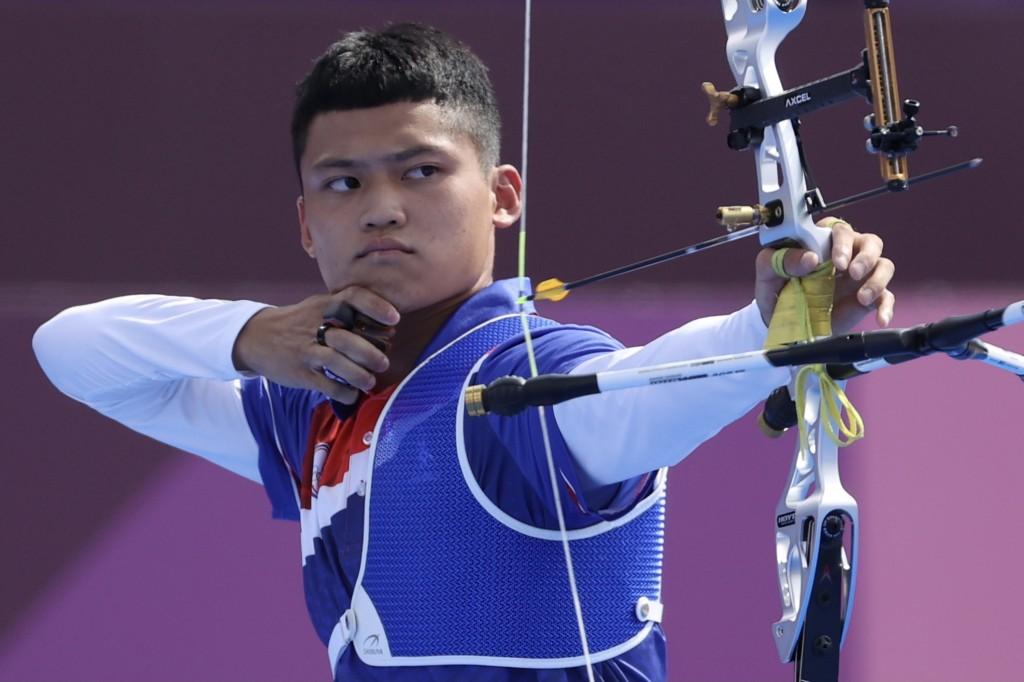 台灣射箭小將湯智鈞31日在東京奧運男子個人賽8強挑戰韓國名將金優鎮成功,搶下4強門票。