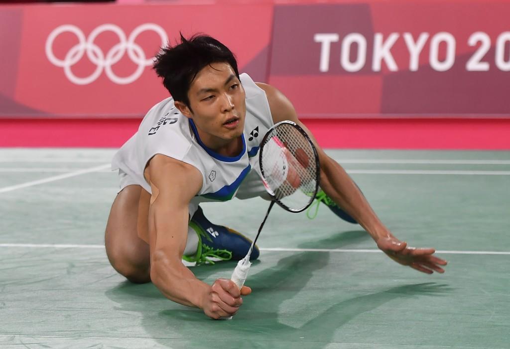 台灣羽球一哥周天成今(31)日男單8強賽不敵上屆奧運冠軍、中國好手諶龍。