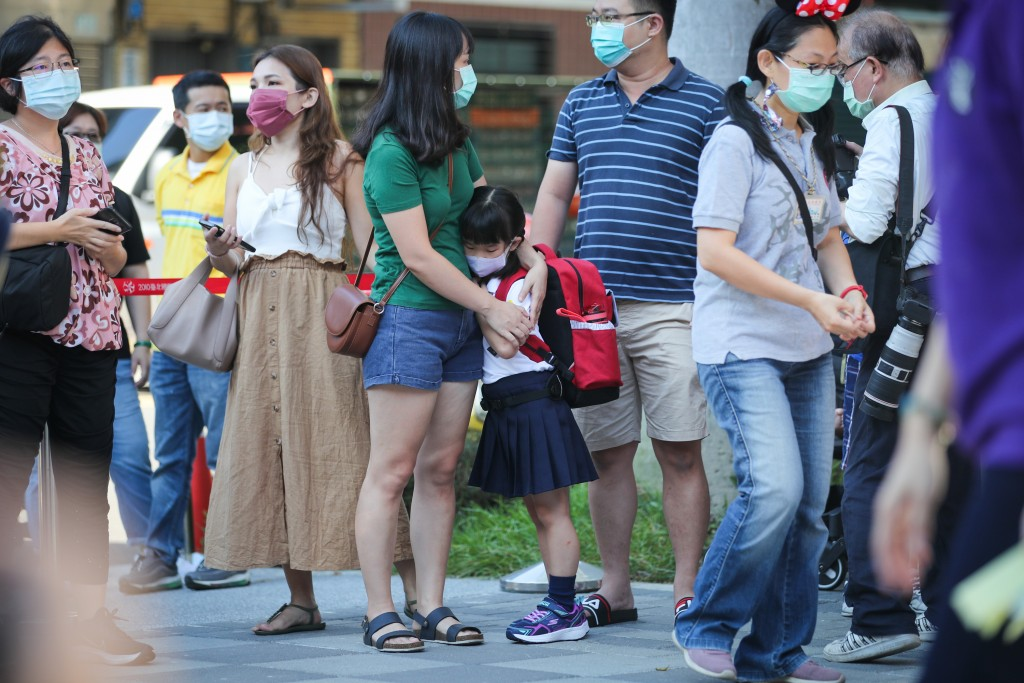 Taiwan's elementary, junior high schools reopen after longest vacation
