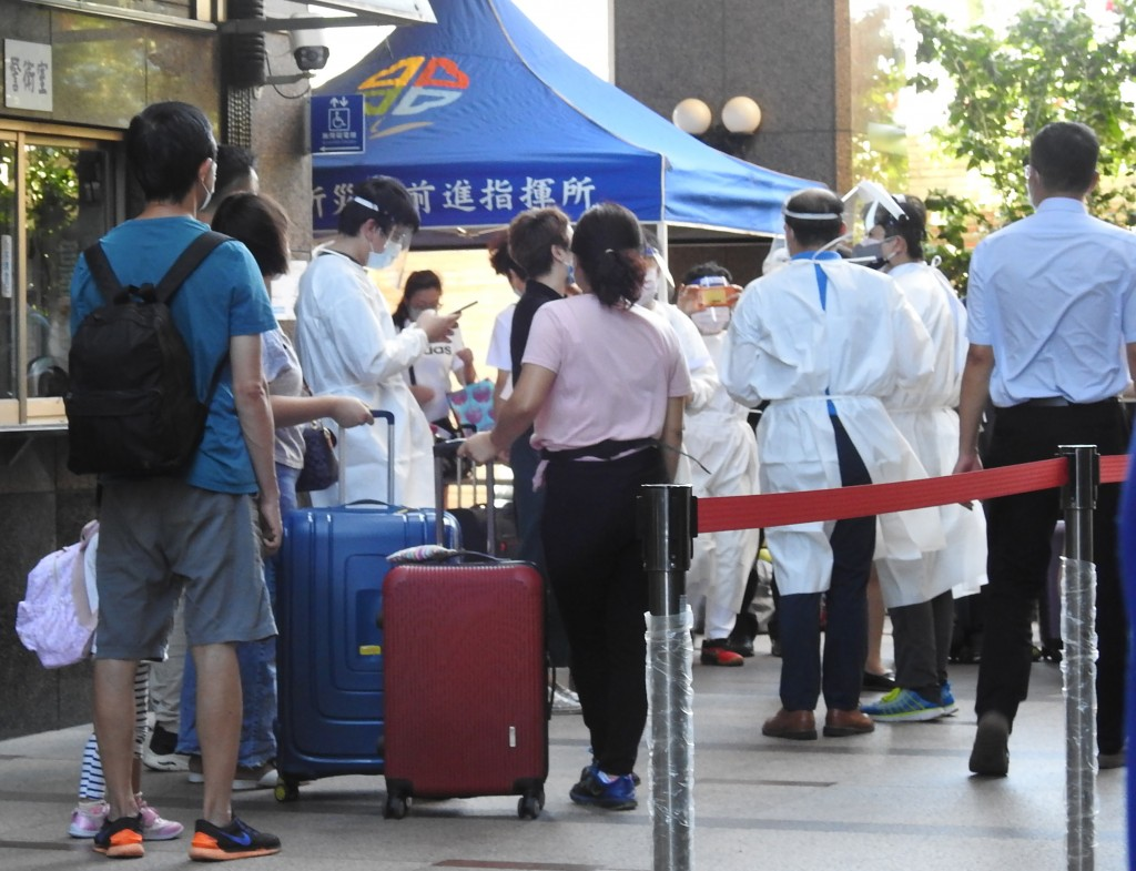 New Taipei apartment evacuated after 6 tenants tied to Delta cluster