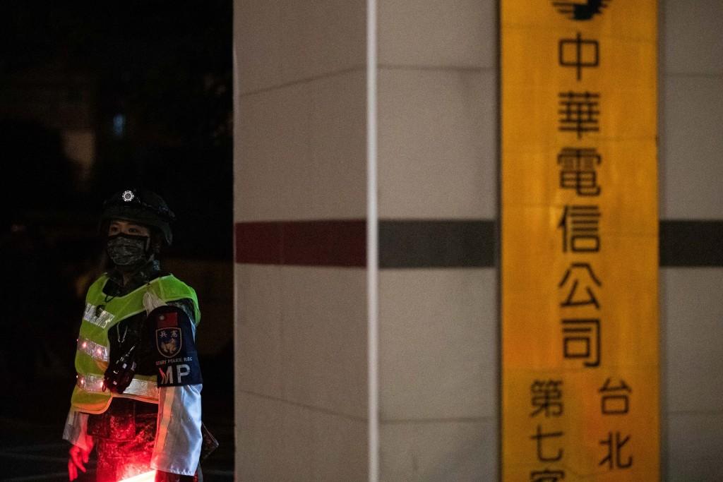 台灣「漢光演習」淡水河防演練•阻敵直攻大台北 模擬電信機房遇襲•雲豹八輪甲車夜馳街頭反擊