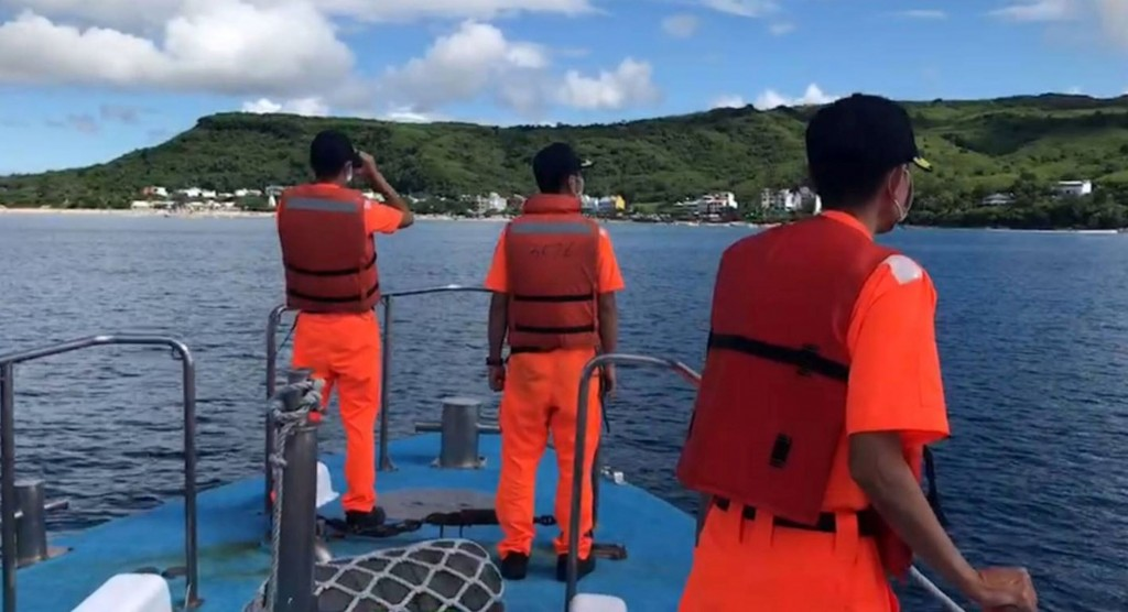 """Members of Coast Guardsearch for British tourist who was reported """"missing."""" (Coast Guard Administration photo)"""