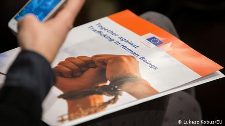 The EU plans to strengthen its fight against human trafficking