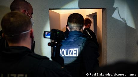 Police raid people-smuggling network in Germany, Slovakia
