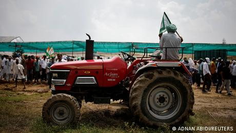 In September 2020, India'sparliament passed three controversial agriculture billsaimed at liberalizing the country's farm sector