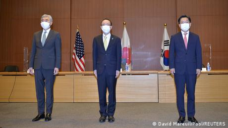 Diplomats from Japan, the US and South Korea have met for talks in Tokyo after the latest North Korean missile test