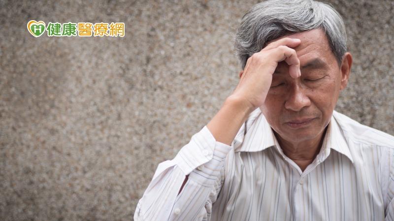 頭暈無力是中風前兆? 小心頸動脈阻塞