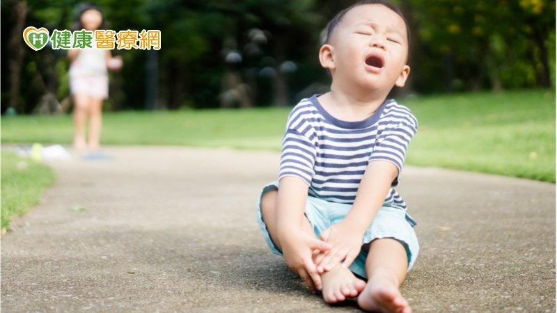 小朋友突然跛腳  當心是「髖關節炎」作祟