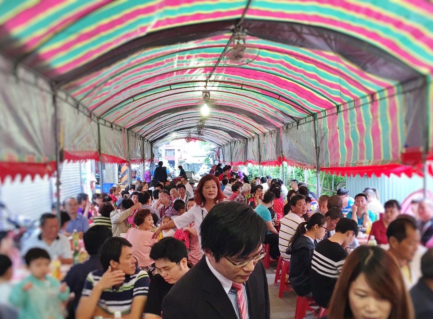 Bando - Taiwanese roadside banquet