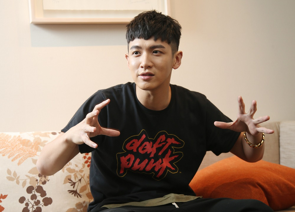 Taiwanese actor Kai Ko reflected on his past mistakes ahead of 2016 Golden Horse Awards, the Taiwanese counterpart of the Academy Awards, with a chang...