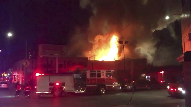 加州奧克蘭倉庫派對大火 33死 罹難人數攀升中