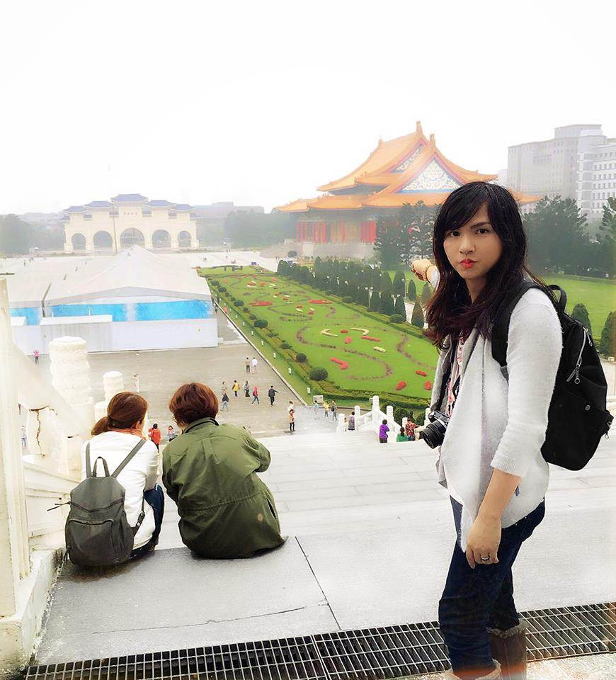 The author at the Chiang Kai-shek Memorial. (By Janelle Belle)