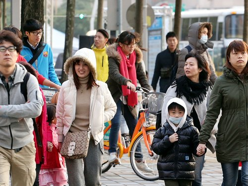 Passing cold front to drop temperatures to 14C in the north: CWB