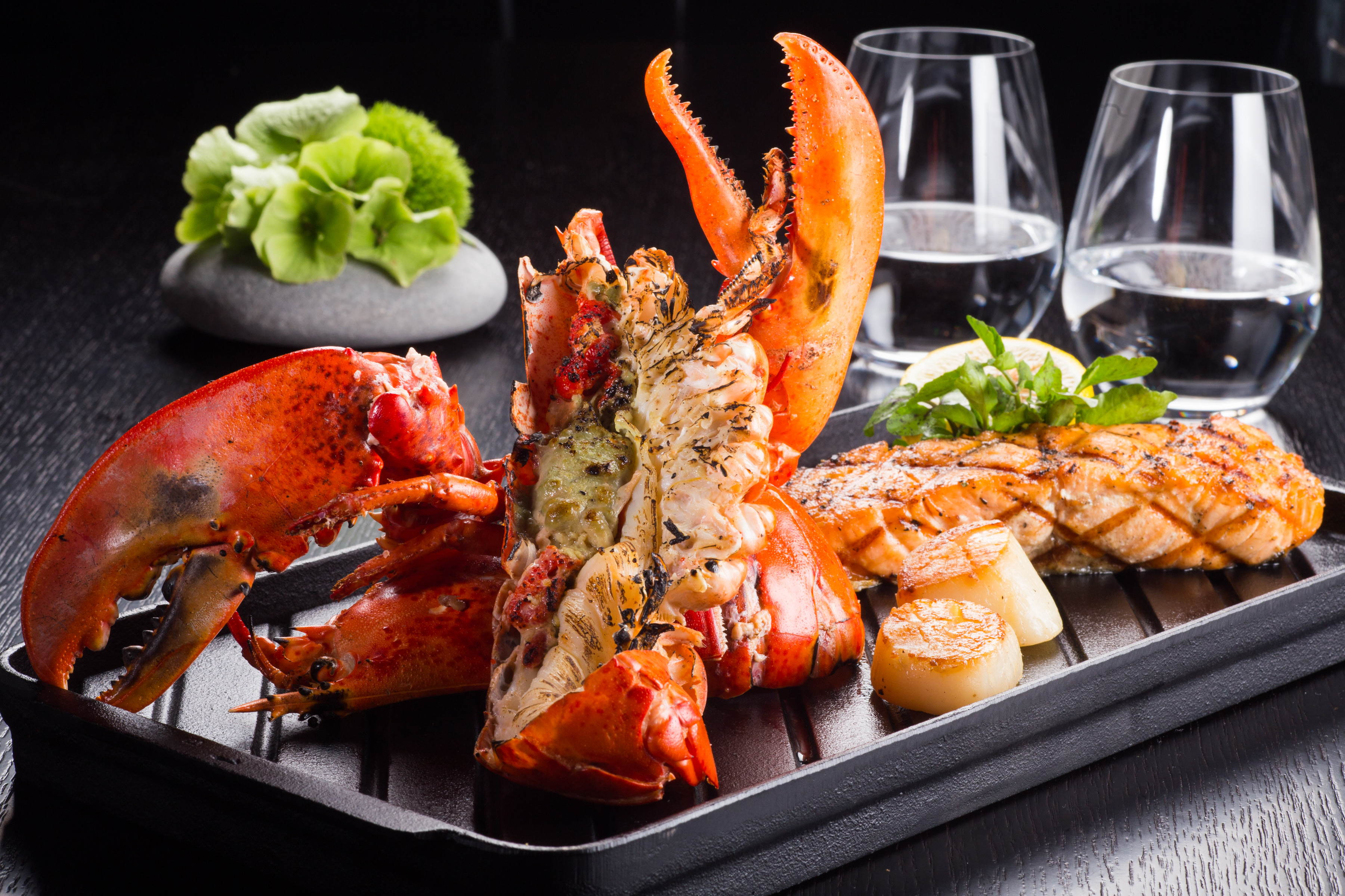 Right beside Taipei 101 fireworks! Ring in 2017 at JustGrill at Eslite Xinyi