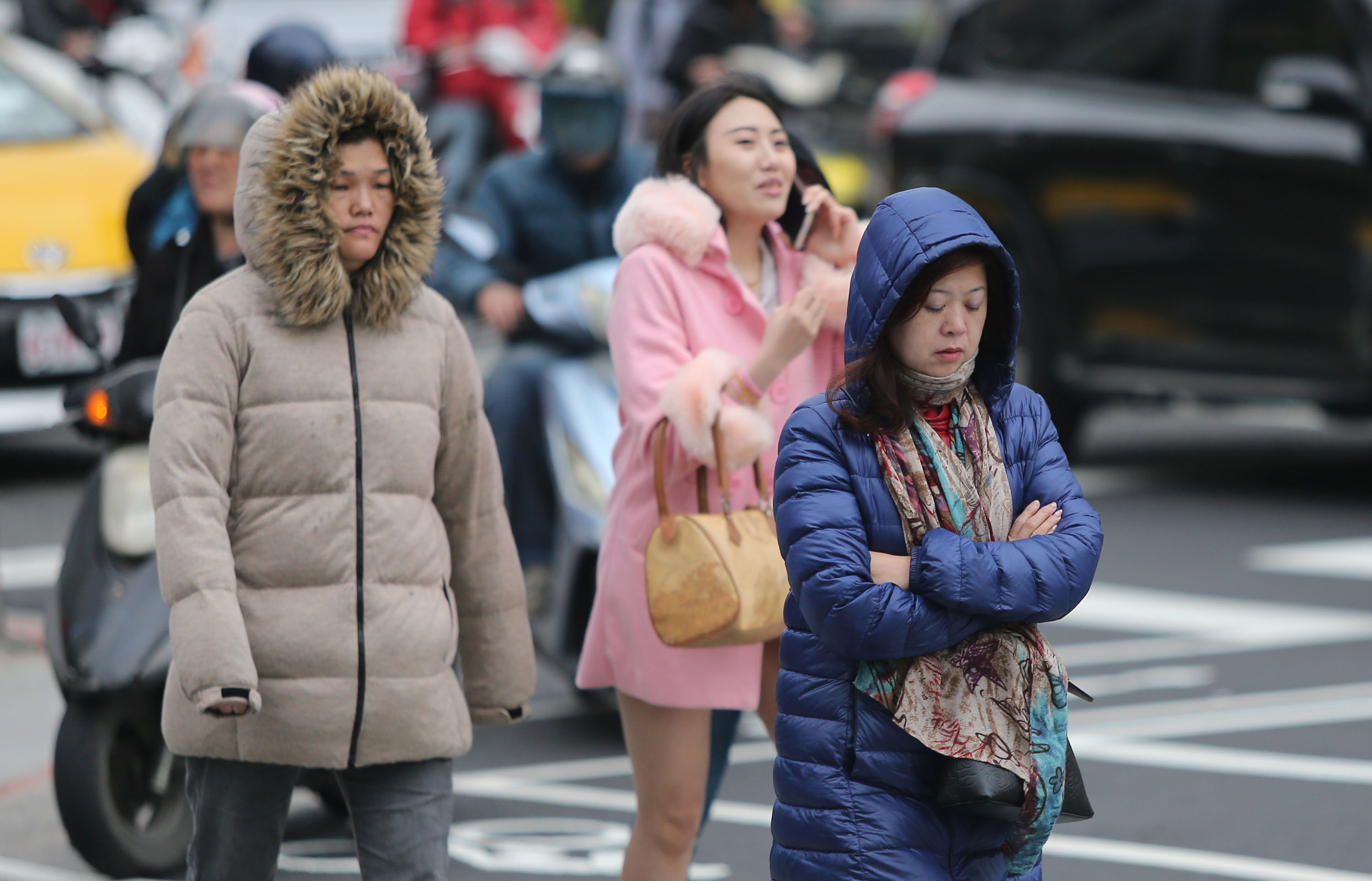 Mercury plunges to 11 degrees in Tamshui