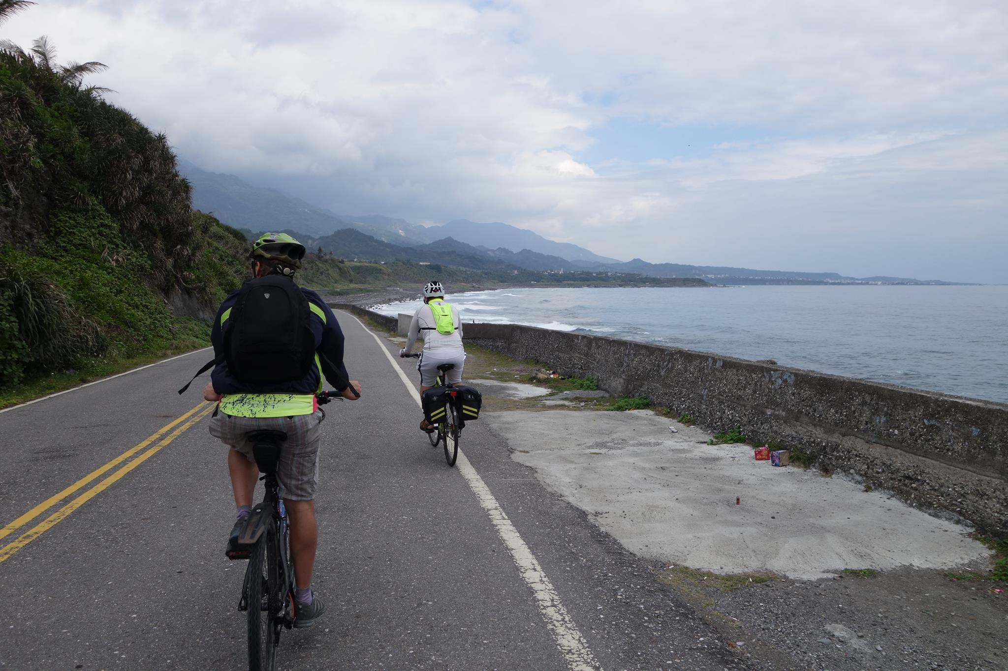 The Taitung 19, Japanese-era road on east coast, now a bike route. (Photo by Michael A. Turton)