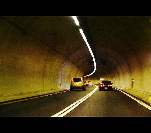 The minimum speed limit in the Hsuehshan Tunnel was raised from 60 to 70 kilometers per hour as of Mar. 10 (photo from Flickr)