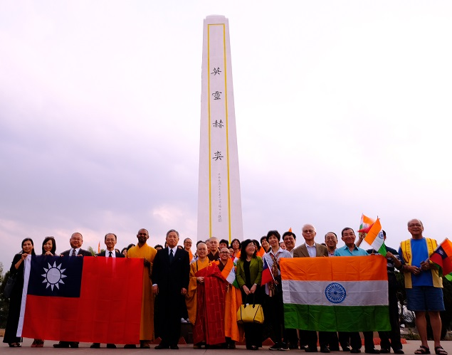 Taiwanese and Indian delegation at war memorial in Ramgarh